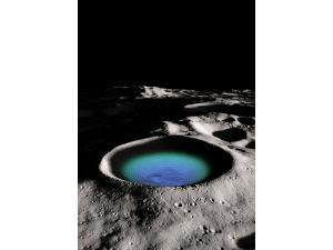 В гигантском лунном кратере обнаружены запасы воды