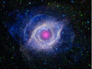 «Глаз» туманности Спираль становится голубым