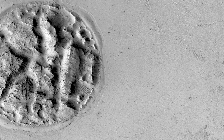 На марсианской поверхности обнаружен уникальный рельеф