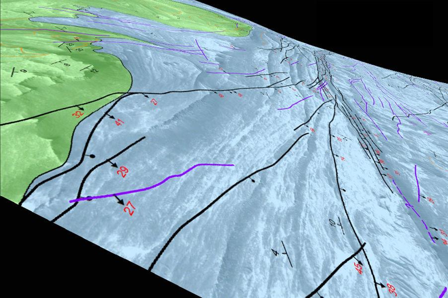 На Марсе обнаружили признаки землетрясений и озер