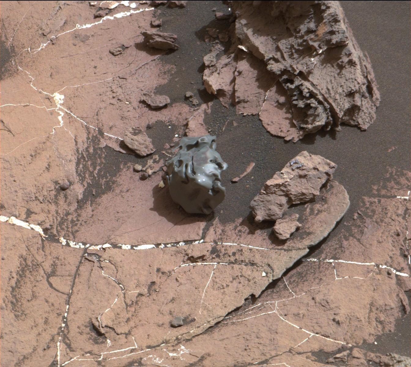 Железный шар неизвестного происхождения найден наповерхности Марса