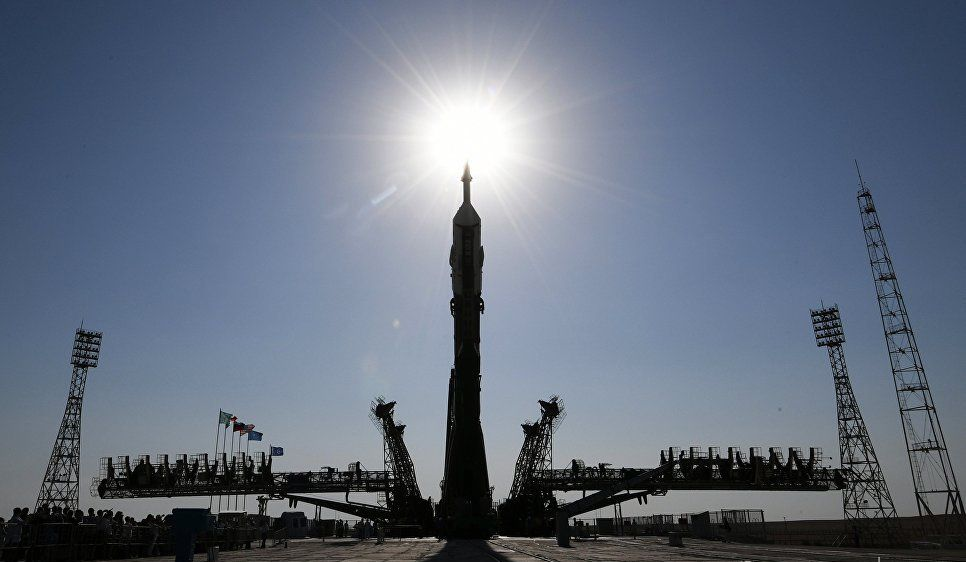 Ракету спилотируемым кораблем установили настартовом комплексе «Байконура»