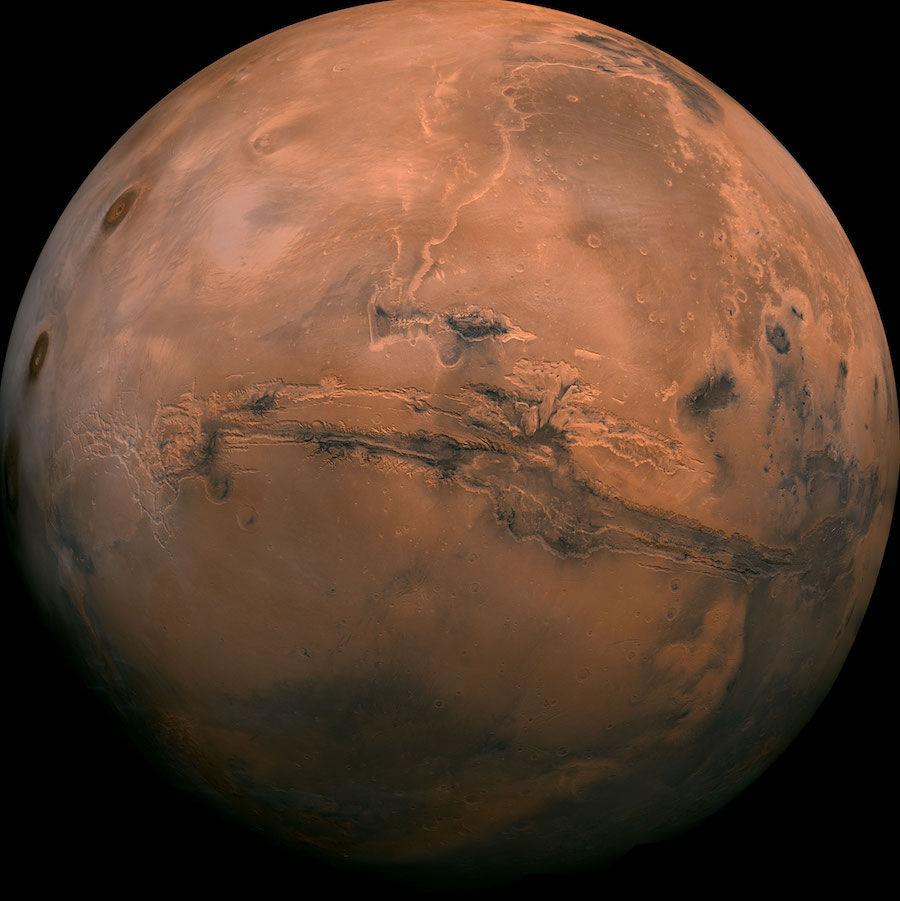 Жидкая вода наМарсе могла жить благодаря парниковому эффекту