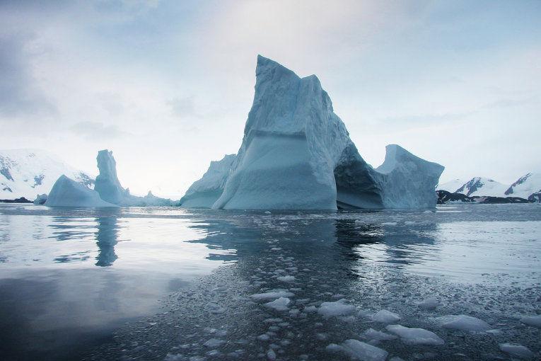 ВАнтарктиде зафиксирован айсберг размером сЭстонию